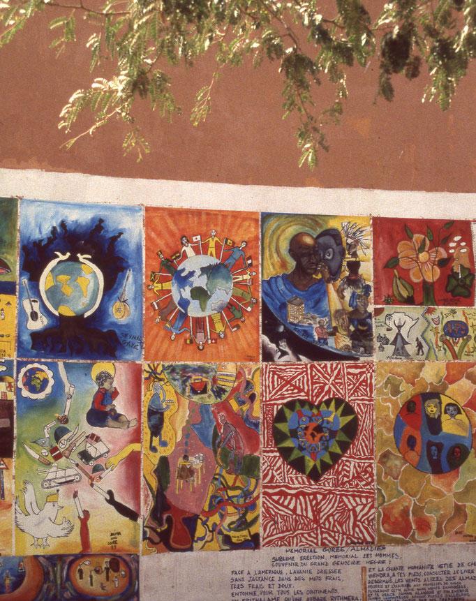Peinture murale à GOREE.