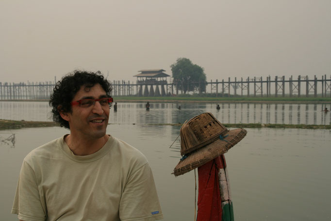 Vers le pont en teck U.Bein. MYANMAR