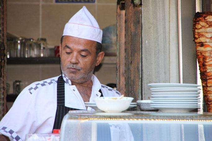 Restauration dans le grand bazar d'Istanbul.