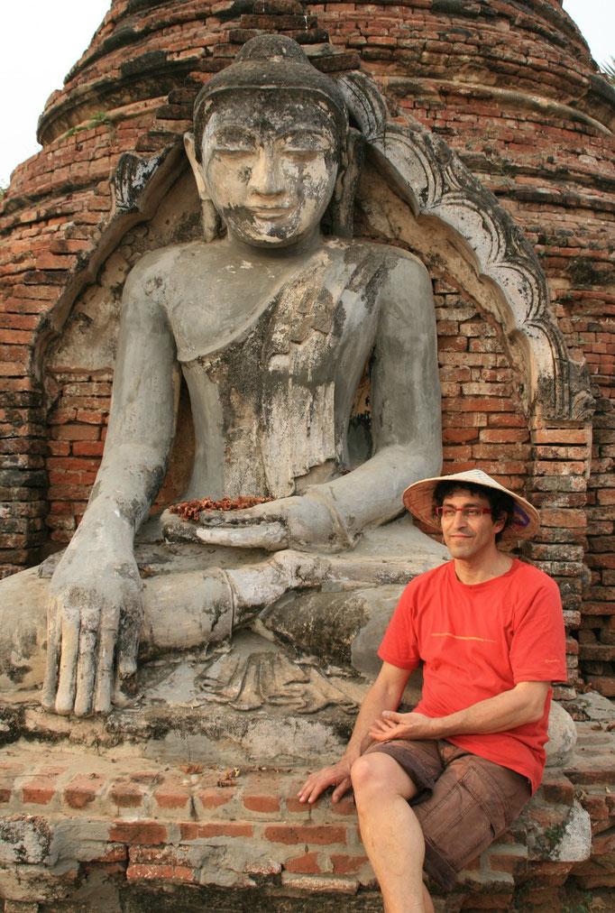 Méditation. MYANMAR