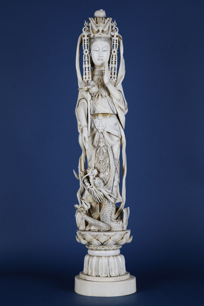 Guanyin, Ivory, China circa 1900, 67 cm
