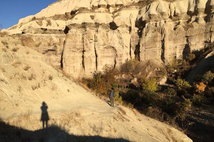 ウチサヒルを見学した後は渓谷の中のトレイルルートを歩いてギョレメまで