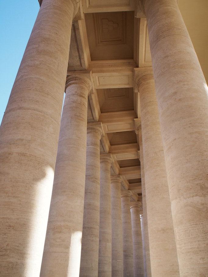 世界中のカトリックの総本山と言われる サンピエトロ大聖堂へ向かいます