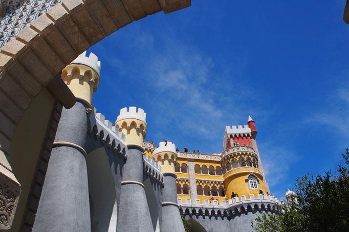 ペーナ宮殿はいろいろな建築様式が混在している 不思議な印象の宮殿