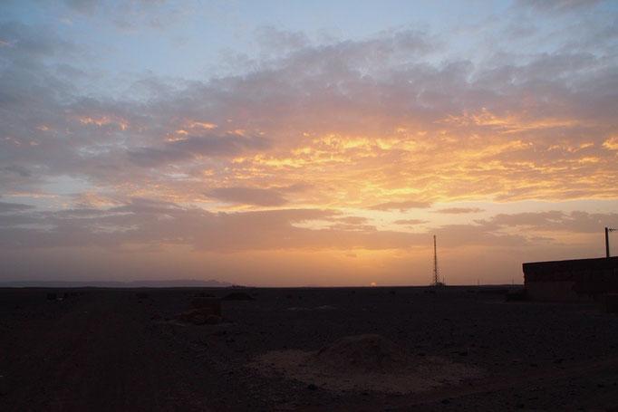 シャウエンから夜行バスに乗り サハラ砂漠への玄関口ハシラビットに到着