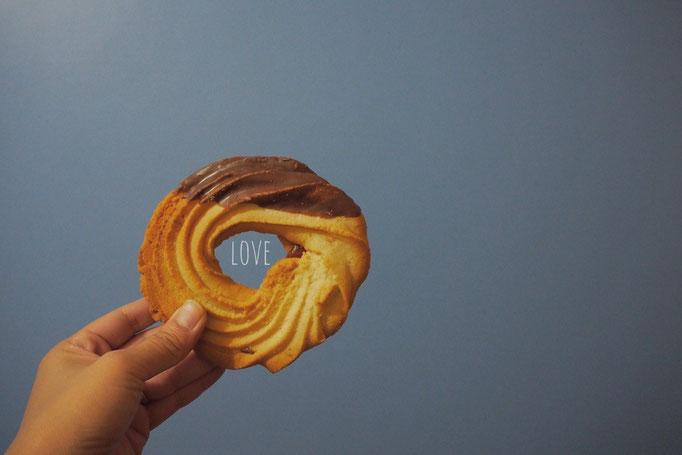 パン屋さんでお持ち帰りしたクッキーは手のひらより大きい おいしい♡