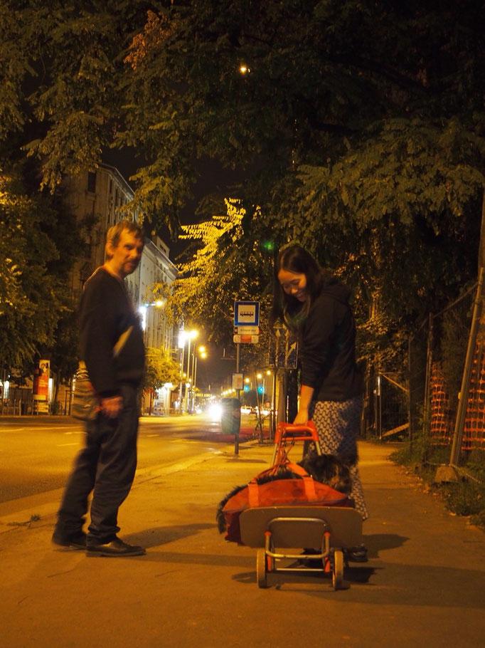 夜はホストさんと一緒に愛犬Tobozのお散歩へ