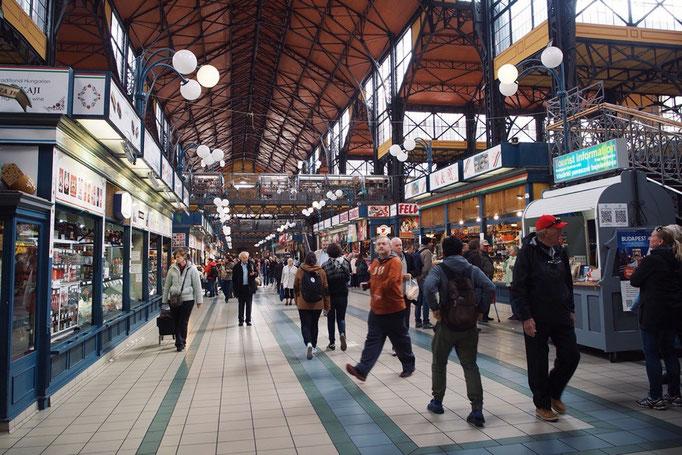 ハンガリー到着当日 中央市場までお出かけ