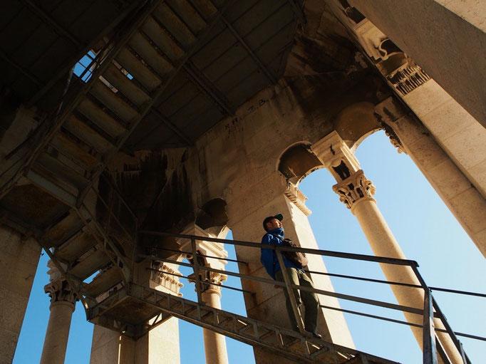 鐘楼の建物の中はこんな風な階段がぐるぐると 怖がってゆっくりな私とは対照的に 旦那さんはすいすい