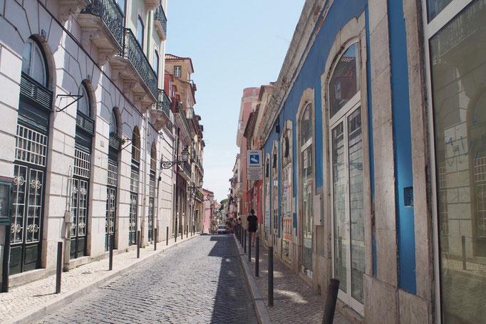 リスボンの街並み⑤ 素敵な通りや路地が多くて ついつい写真をたくさん撮ってしまいます...