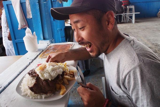お昼ごはんは盛り盛りなランチを食べておなかいっぱいー...大満足♡