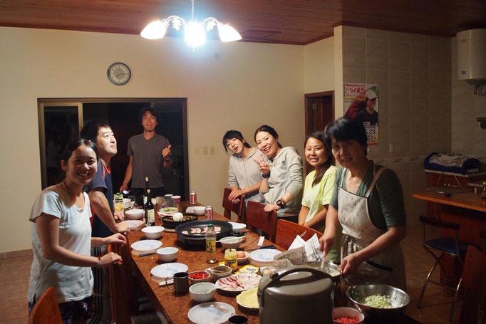滞在中はいろんな和食が食べられました この日はみんなでお好み焼き♡