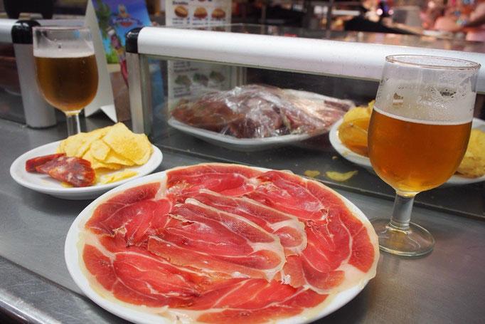これだけ飲んで食べて4.3ユーロ(約580円) ニューヨークから来るとリーズナブルさに驚き!!