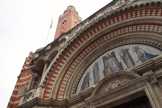 ウェストミンスター大聖堂 内装はシンプルでシックな雰囲気でした