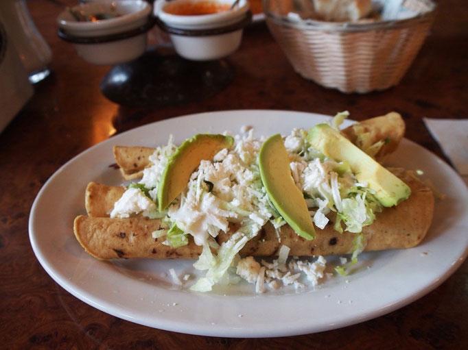 この旅3回目のメキシコ メキシコシティ到着日の晩ごはんはご近所でトルティーヤ