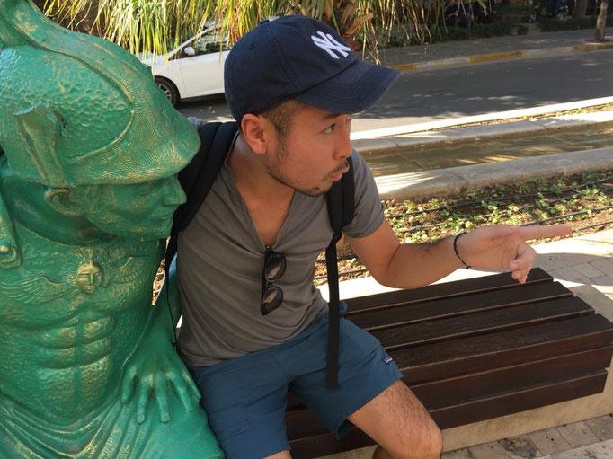 アンタルヤの街にはゆるい銅像がたくさん こんなところにも街が豊かな感じが感じられました