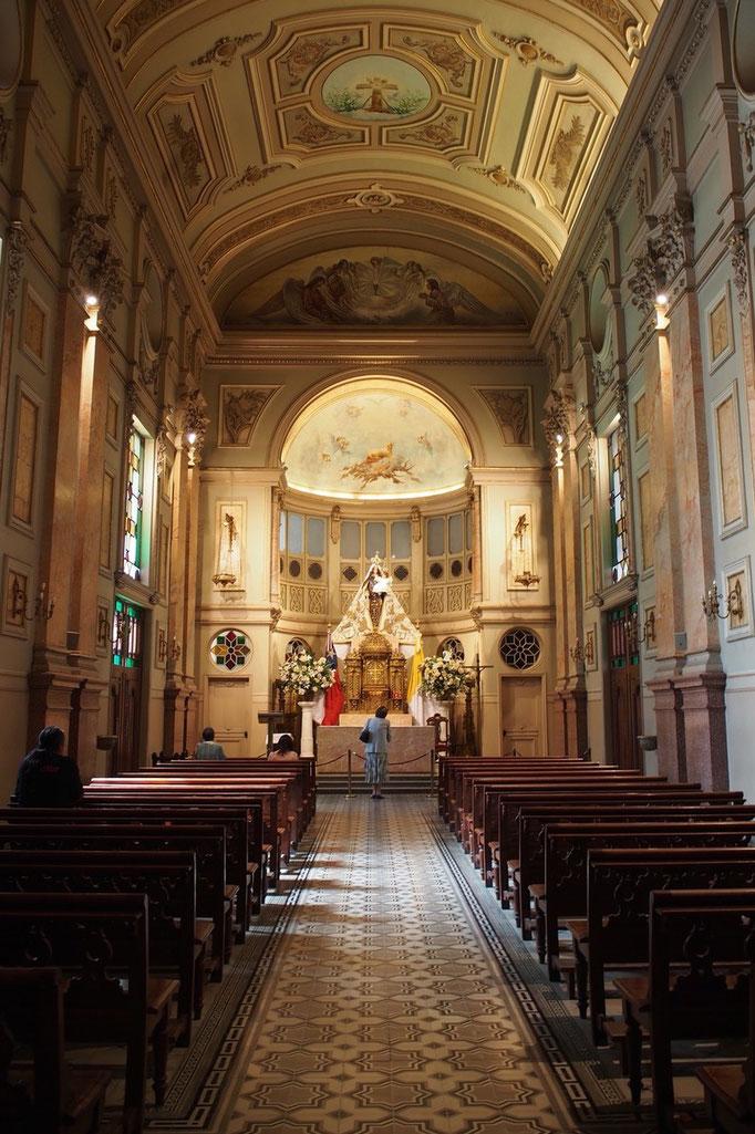 サンティアゴ大聖堂きらびやかで荘厳な雰囲気