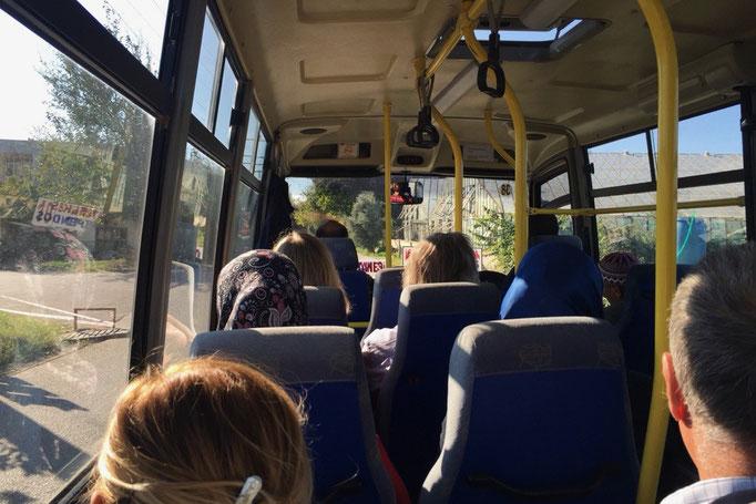 移動は乗り合いバスや路線バスで 迷っているとバスを停めてくれたりして トルコの人の親切に感謝...