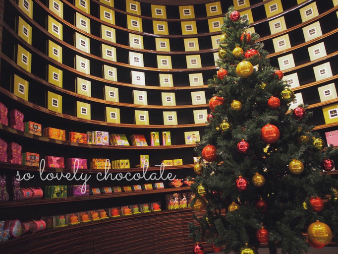 """2つめの目的地 チョコレート屋さん""""Patchi(パッチ)""""へ。パッチはレバノンの有名なチョコレート屋さん。"""