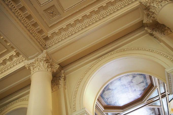 建物の外観のみならず 内装にもこだわりが感じられます
