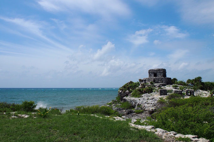 風の神殿 マヤ文明の終焉となった場所 カリブ海を目の前に人々はどんなことを思ったのか...なんて感慨深くなったりします