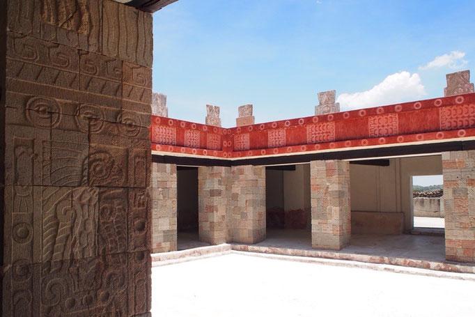 """最後に訪れた""""ケツァルパパロトルの神殿"""" きっと他の遺跡もこんな風にカラフルだったんだろうな"""
