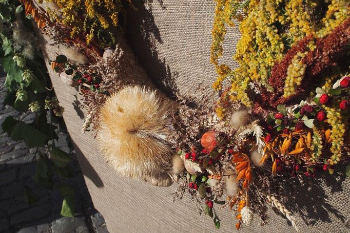 リースの出店にて 秋を感じる色合いとふわふわの飾り付けにほっこり♡