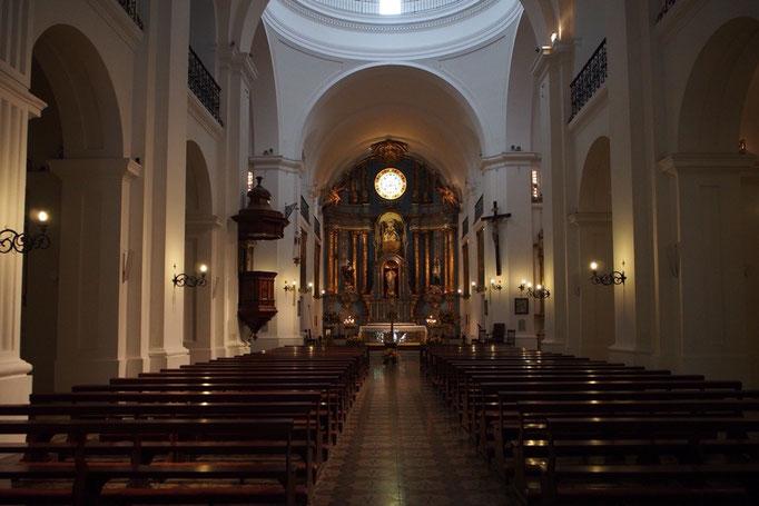 教会やカテドラルはそれぞれ個性があるけれど 神聖な空気が流れていて身が引き締まる思いがするのは同じ