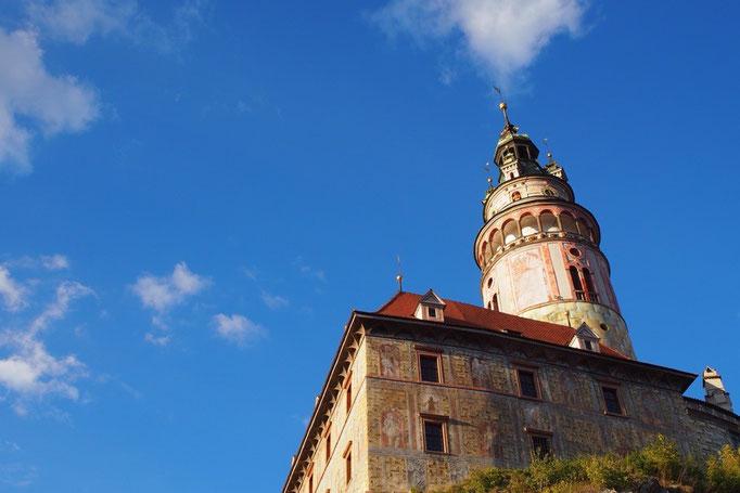 チェスキークルムロフ城はさまざまな時代の様式が調和してできた 巨大な複合建築のお城