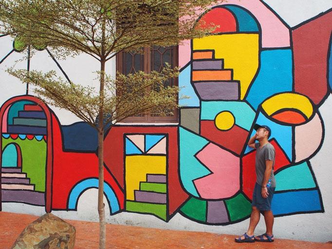 マラッカの街のかわいいグラフィティ マラッカの街ではこんな風なかわいい壁が いろんな場所で見られます