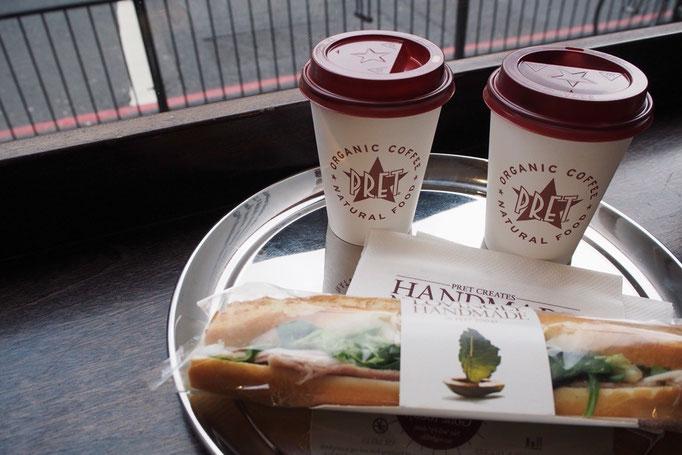 バスの出発時間までカフェで少し休憩を ロンドン楽しかった♡