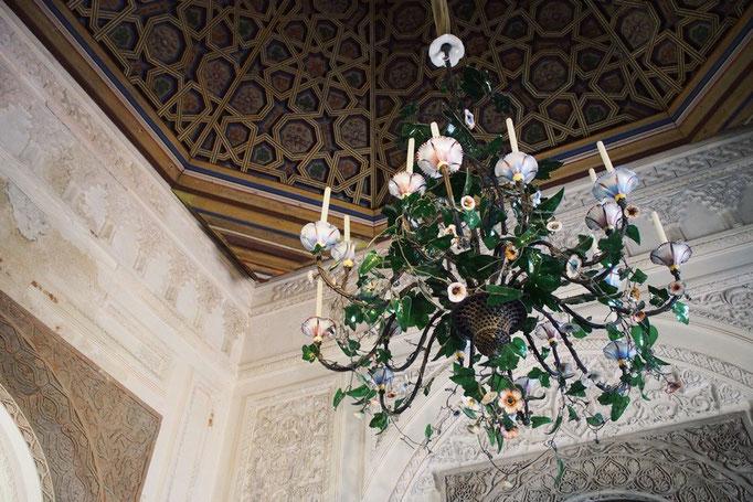 お部屋ごとに壁の装飾や調度品の雰囲気が全く異なっていて 同じ建物の中ではないみたい