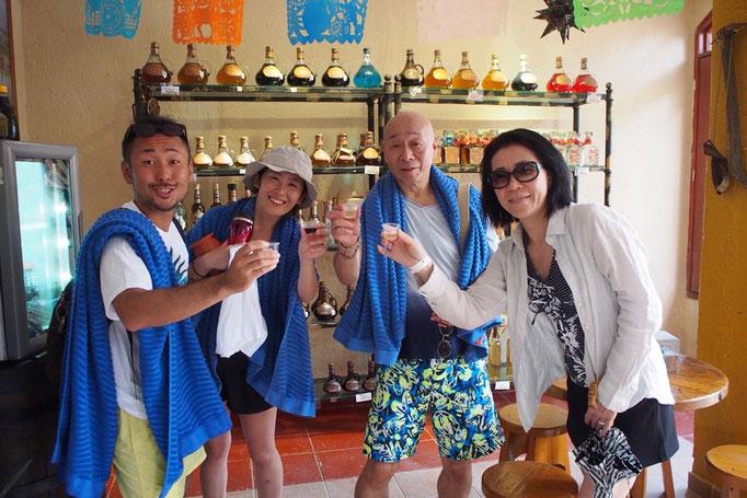 テキーラは日本で飲むよりも味が柔らかい印象で飲みやすくて コーヒー味とアーモンド味のテキーラがおいしかった...♡