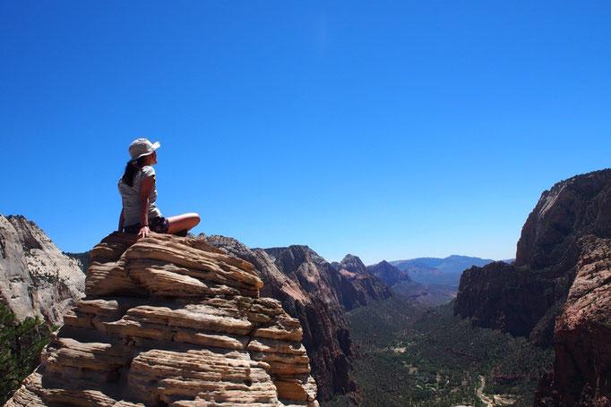 エンジェルスランディングの頂上では 目の前に360°広がるパノラマの絶景♡
