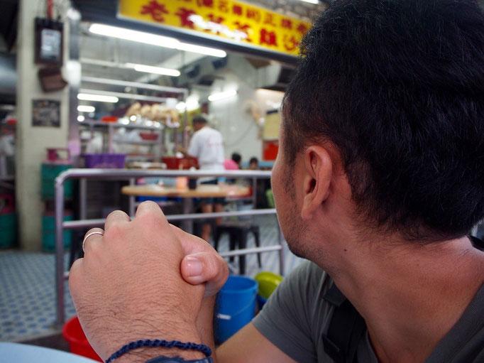 次に向かったイポーの街で 最初に食べに行ったのはタウゲアヤムのお店