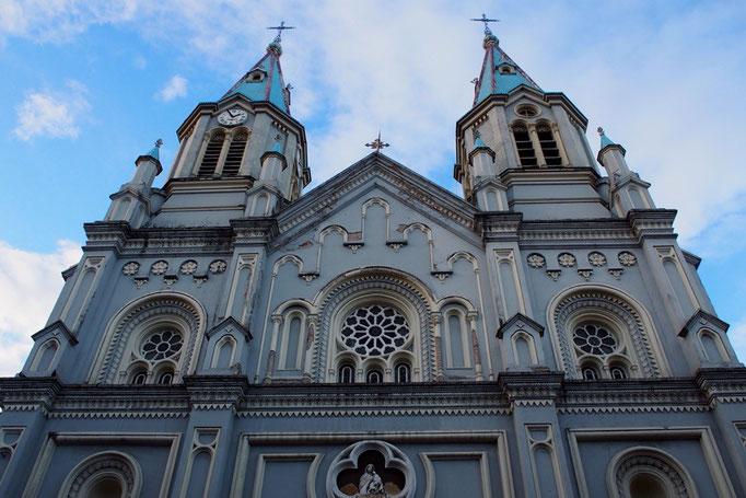 クエンカの町の中心にはカテドラルやたくさんの教会があって その中で特に外観の色合いが好きだったのがこちら♡