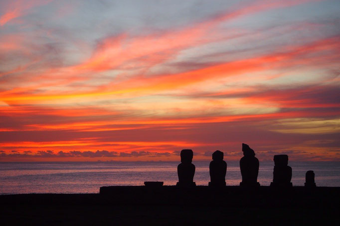 夕陽が沈んだ後は 空が夕焼けに染まってきれい
