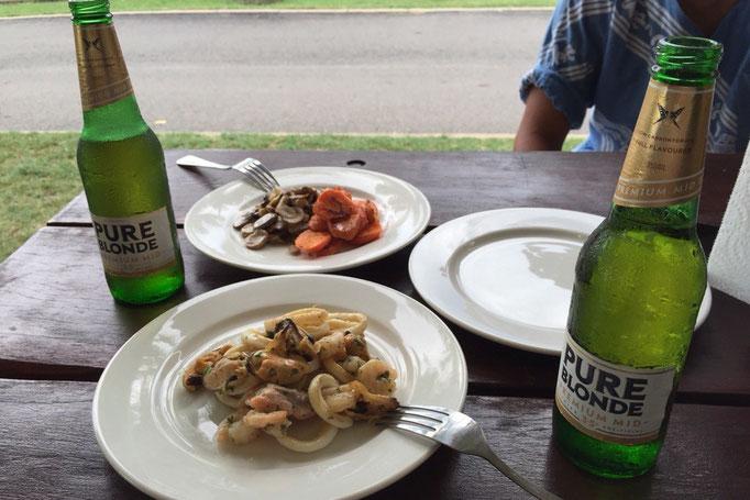 新鮮なお肉や魚介類をバーベキューにして ビールで晩酌をしたり