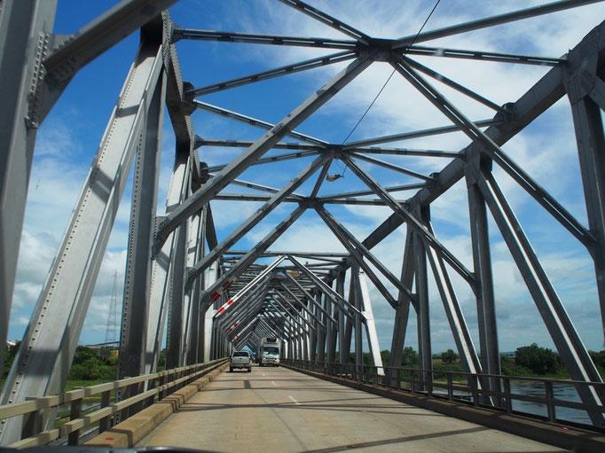 オーストラリアの道路は整備されていて ほとんどが時速100km制限!!