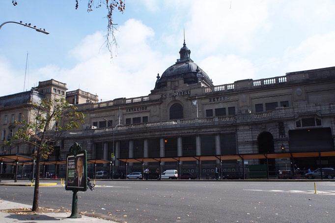 ブエノスアイレスにあるレティーロ駅 歴史を感じさせる重厚感