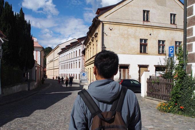 どこへ行くにも歩いて行ける小さな町はどこもとても綺麗で まるでミニチュアの町の中に迷い込んだ気分