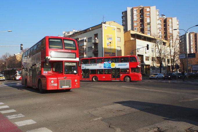 マケドニアでも 1階建てのバスと同様に 普段使いの交通手段としてダブルデッカーが使われています