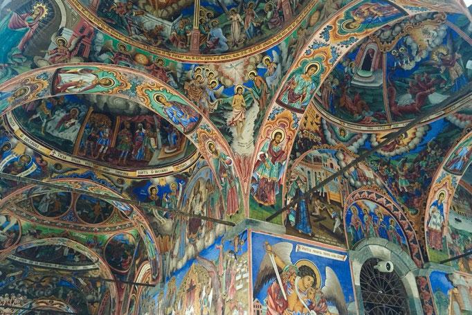 教会内部もとても細かなで煌びやかな装飾が美しかったけれど 撮影NGだったので記憶に留めておくことに