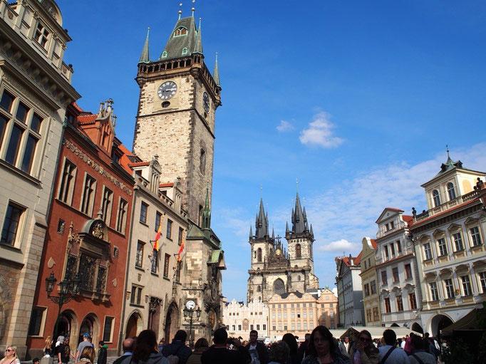 建物の色がシックな物が多くて スペインやドイツとはまた違った雰囲気