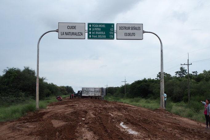 居心地の良かったアスンシオンを出発し 南米一の悪路とも言われるアスンシオン-サンタクルスルートのバスへ
