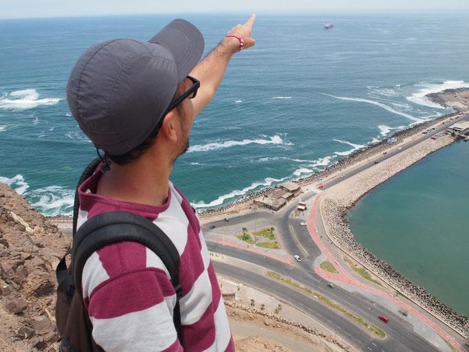上からの景色 110mの高さから見るアリカの海岸線や街並みは一味違うものでした