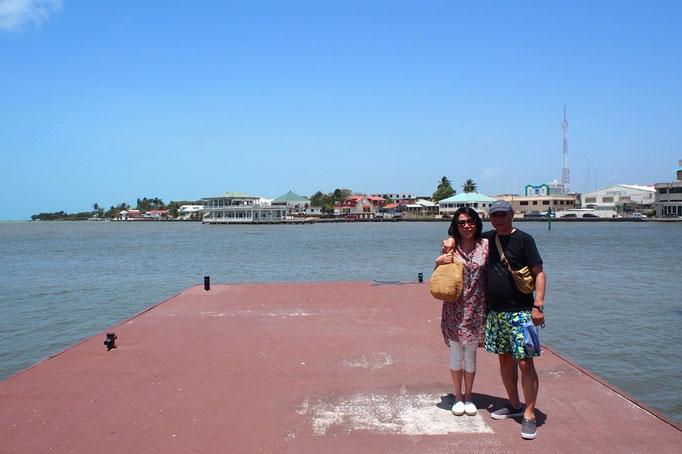 あまりに素朴な町だったので ひと休みをした後は港に戻ることに