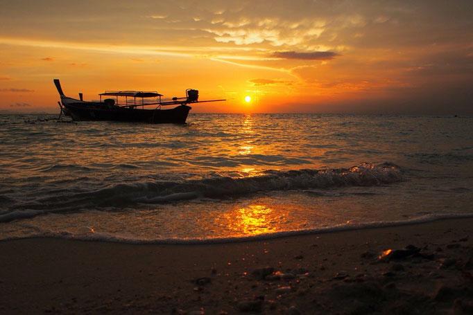 リペ島最後の朝も 朝日を観て1日のはじまり