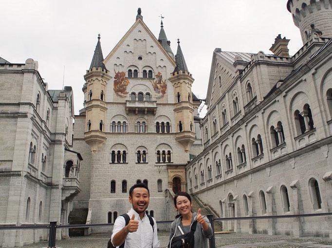 ノイシュヴァンシュタイン城にて 普段なかなか撮ることのないツーショット写真♡