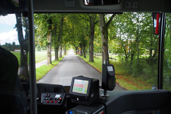 ノイシュヴァンシュタイン城からの帰り道 バスでロマンチック街道を走ってフュッセンへ
